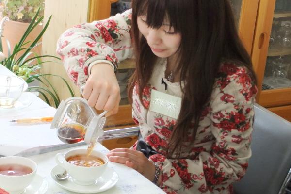 茶漉しが付いているから注ぐのが簡単