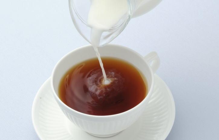 ミルクティーのいれ方カフェ用