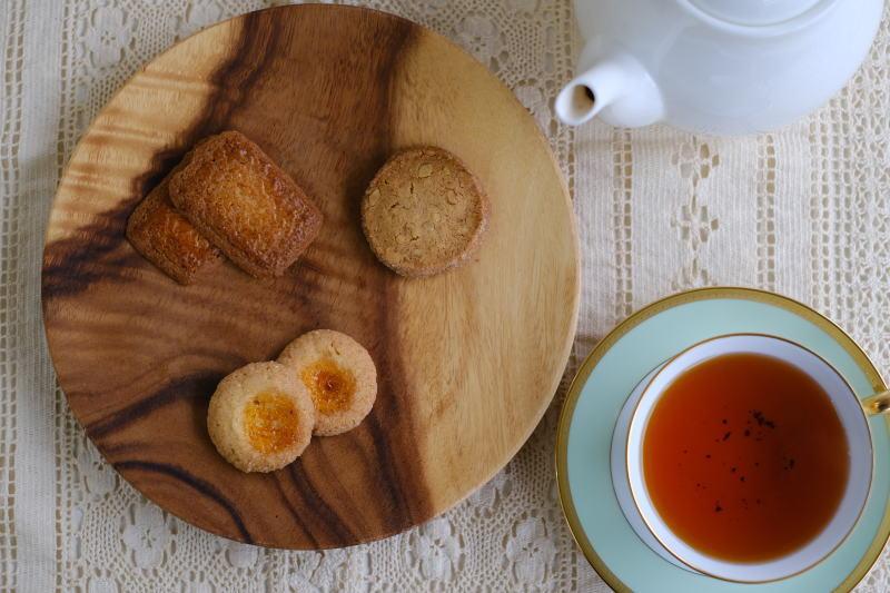 カフェの紅茶、ティーカップで提供する? or ティーポットで提供する?