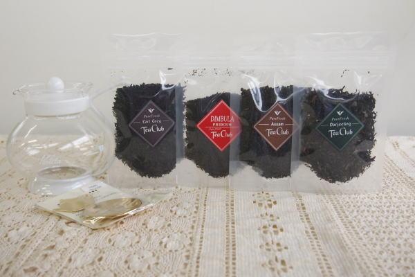 4種類の紅茶とティーポット、ティーメジャーのセット