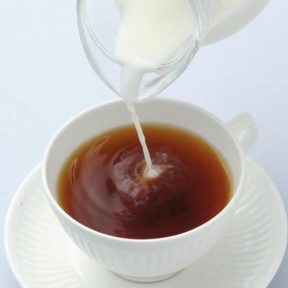 ミルクティーのミルクは「温めるか?」or「温めないか?」