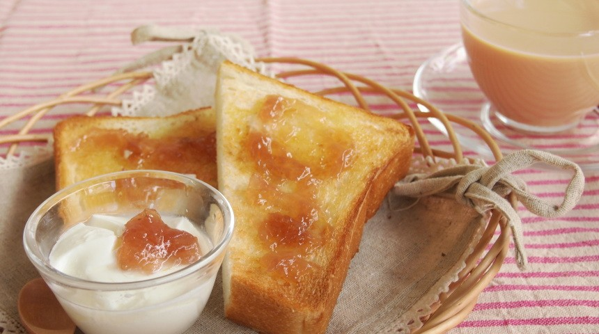 バラ香るトーストはいかがですか?
