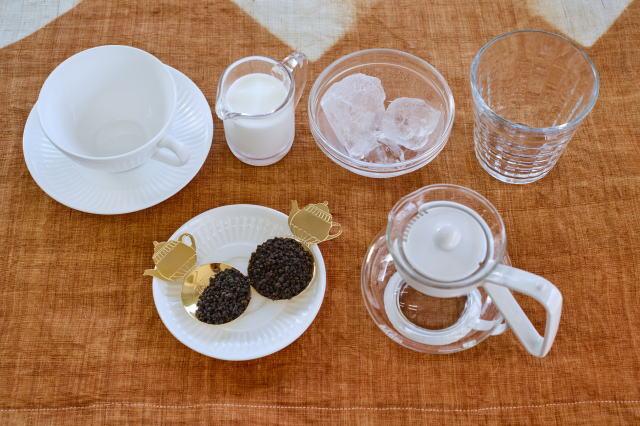 1杯目はホットミルクティー2杯目は常温ティーの材料